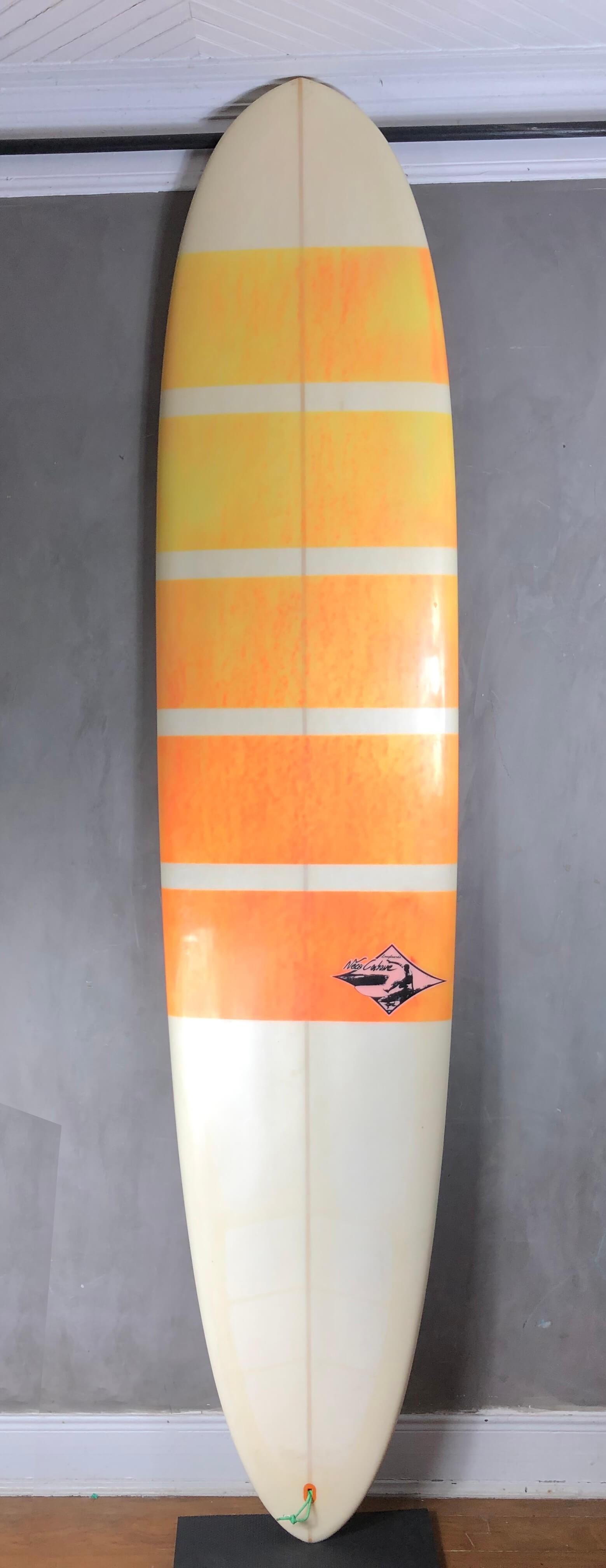 """Longboard Neco Carbone 9'2"""" Branca e Laranja Seminovo"""
