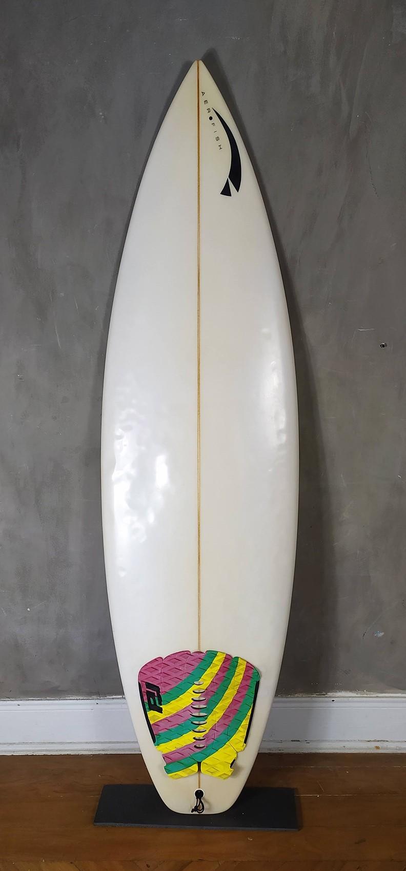 """Prancha de Surf Aerofish 5'10"""" Branca Seminova"""
