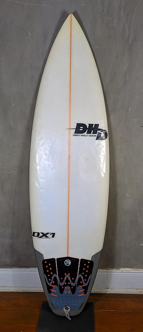 "Prancha de Surf DHD 5'11"" DX1 Branca Seminova"