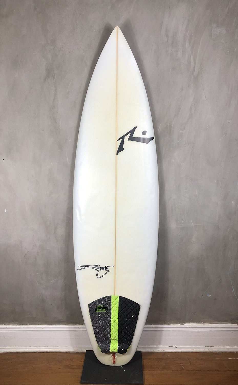"Prancha de Surf Rusty 6'1"" Yes Thanks Seminova"