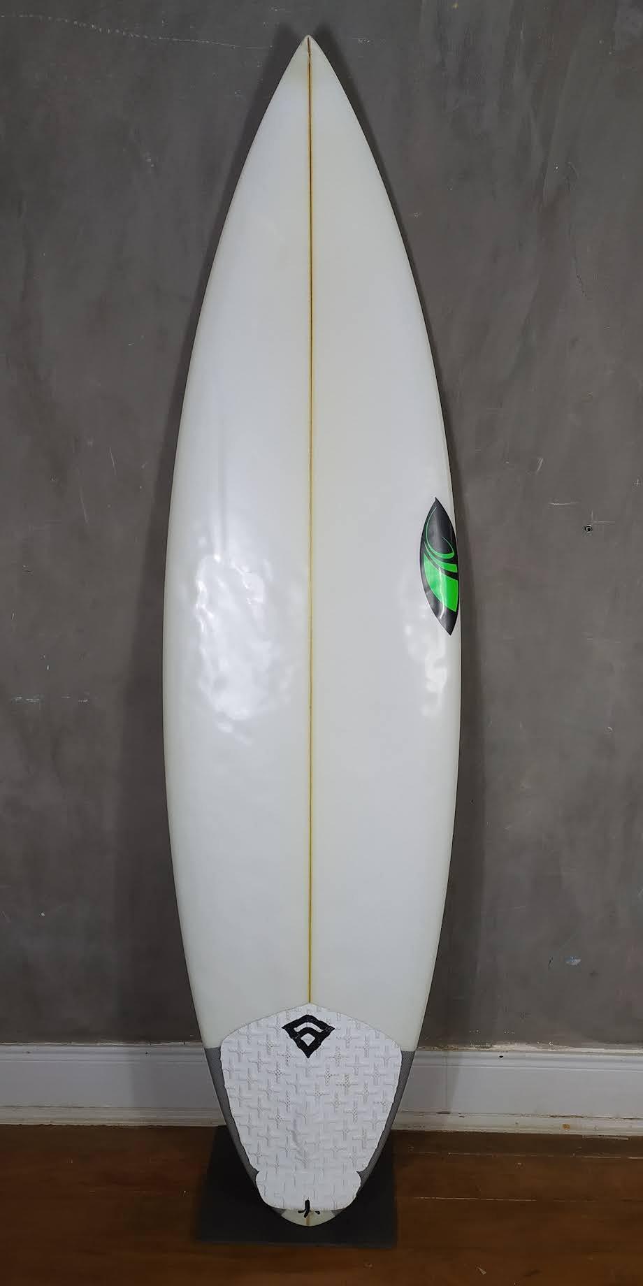 "Prancha de Surf Sharpeye 6'0"" OK Model Seminova"