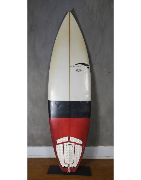 "Prancha de Surf Aerofish 5'11"" Fly Branca Seminova"