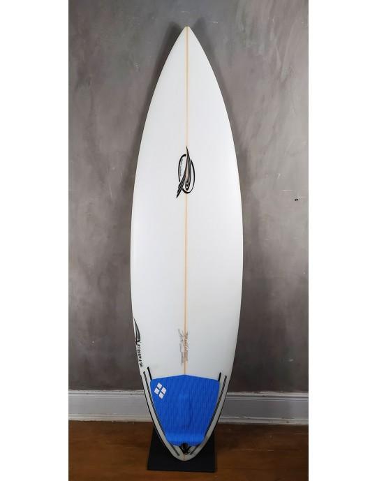 "Prancha de Surf Rip Wave 5'11"" Branca Seminova"