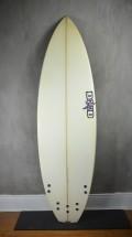 """Prancha de Surf DHD 5'11"""" Diamond Seminova"""
