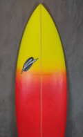 """Prancha de Surf RipWave 5'10"""" Vermelho com Amarelo Seminova"""